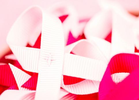 نقش ژنتیک و نسبت فامیلی در ابتلا به سرطان پستان
